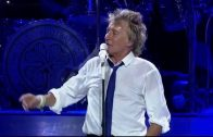 Rod-Stewart-Stay-With-Me-Live